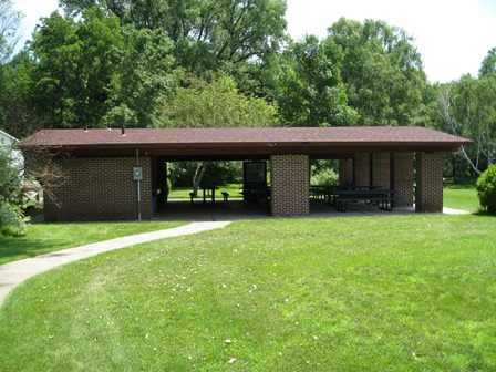 Groves Shelter in Habermann Park